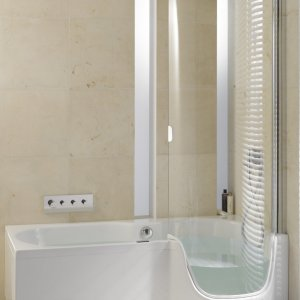 Bild von Bathroom reconfiguration into an accessible environment